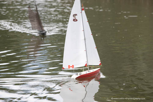 Model Sailboats cruising