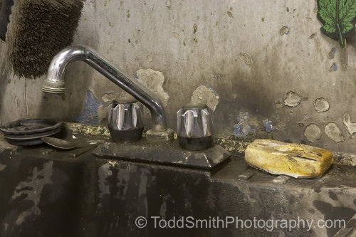 The clean up sink at Oliver Brake and Muffler